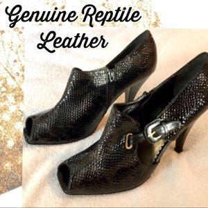 J Renee Heels 12 w Black Leather Embossed Bootie